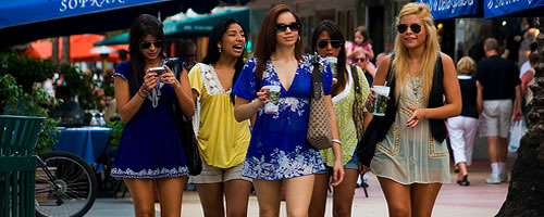 girls-in-lincoln-road
