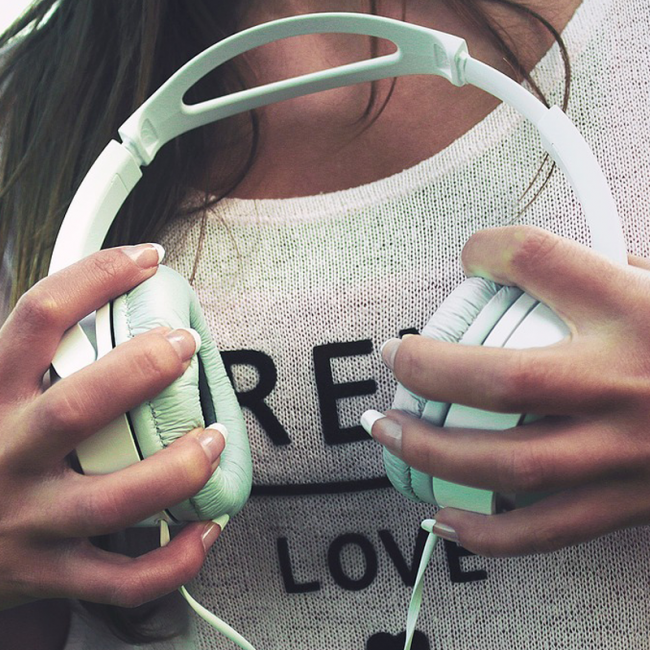 Top 10 Podcasts Fashion and PR Girls Should Be Subscribing to